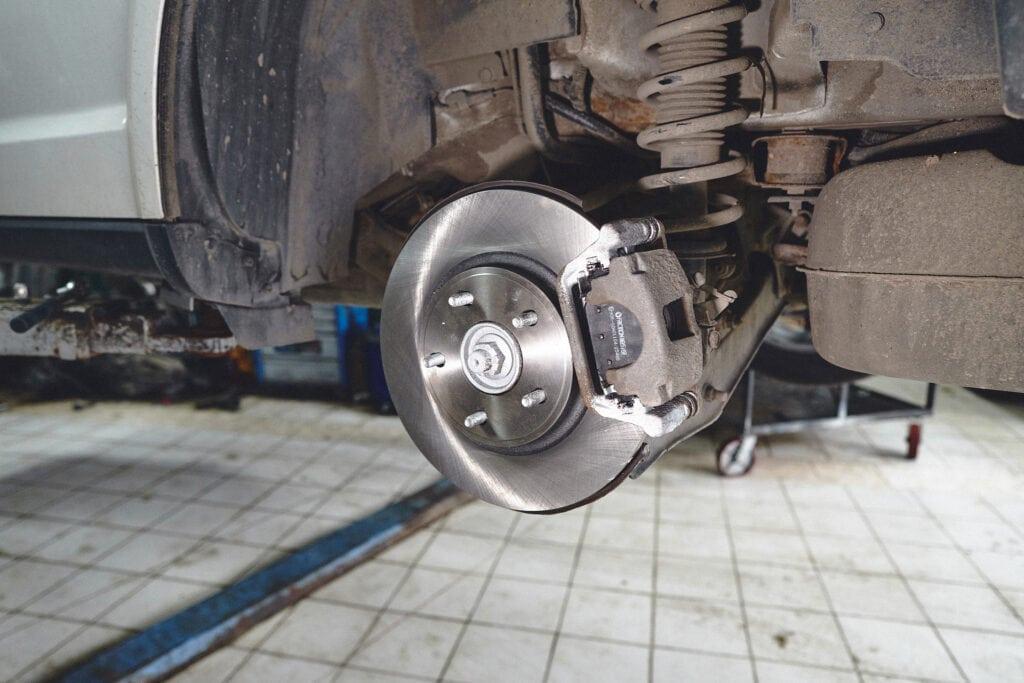 Осталось прикрутить колесо