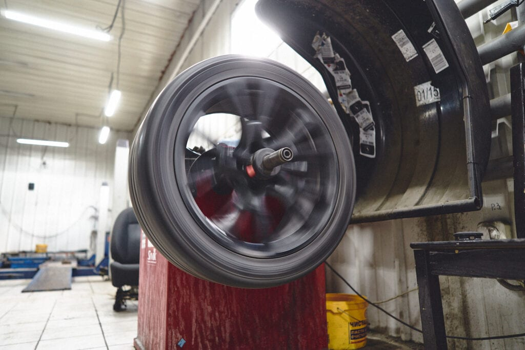 Проверка балансировки колеса