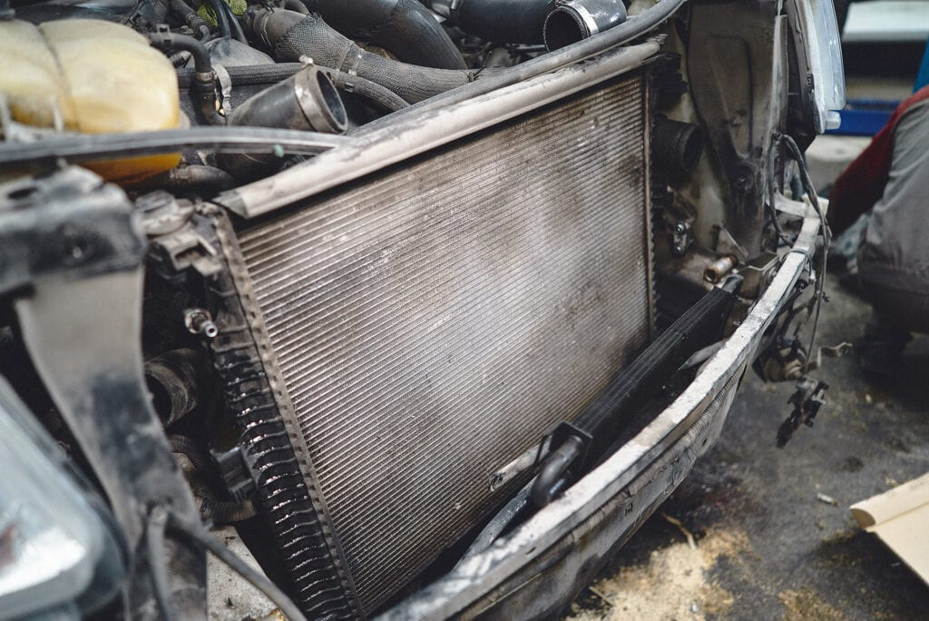 Радиатор двигателя Гранд Чероки