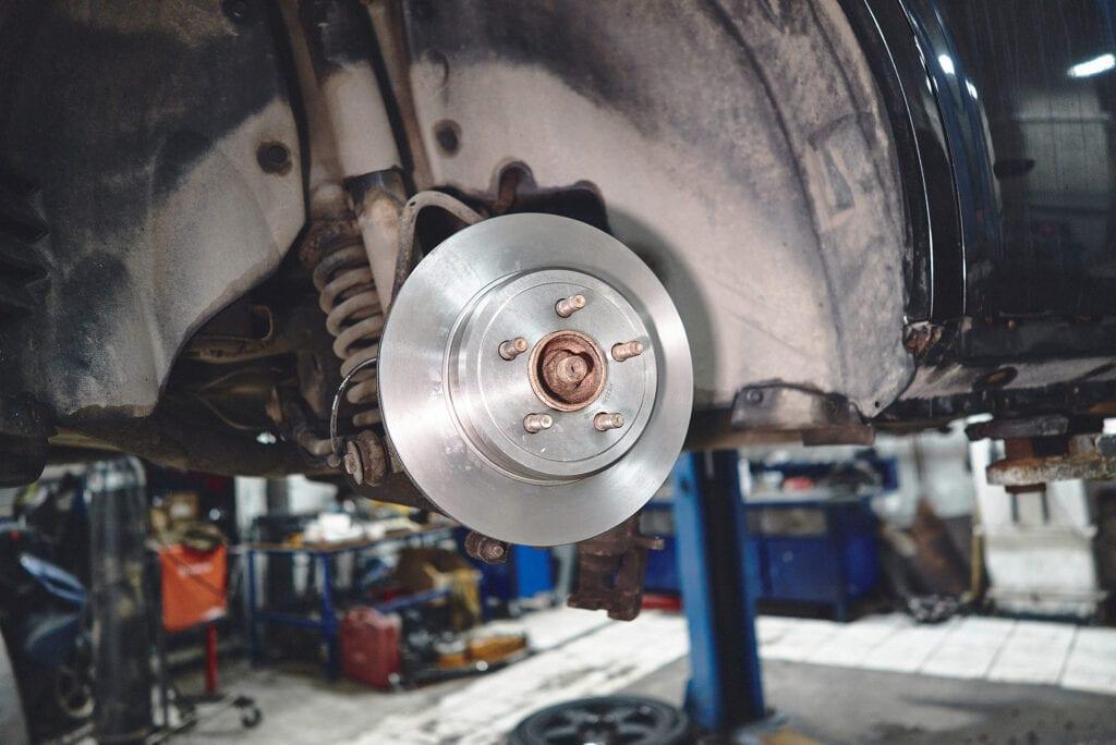 Примериваем тормозные диски 300С