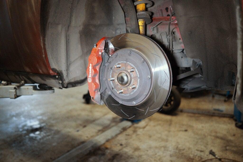 Тормоза от Гранд Чероки WK2 SRT8