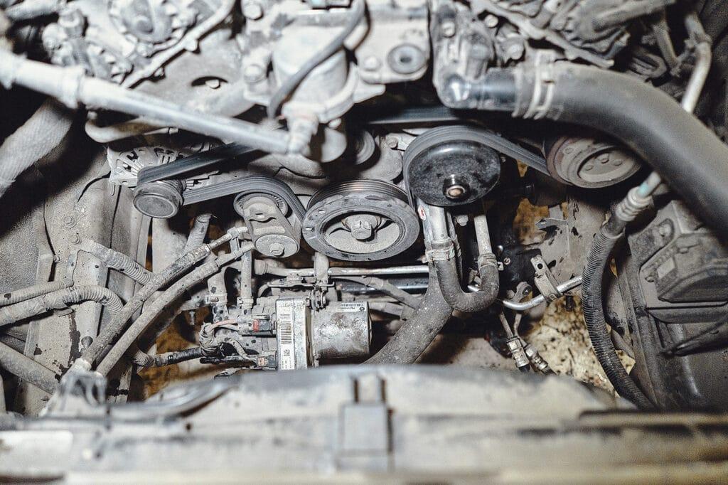 Двигатель 3.6 занимает мало места, удобно работать