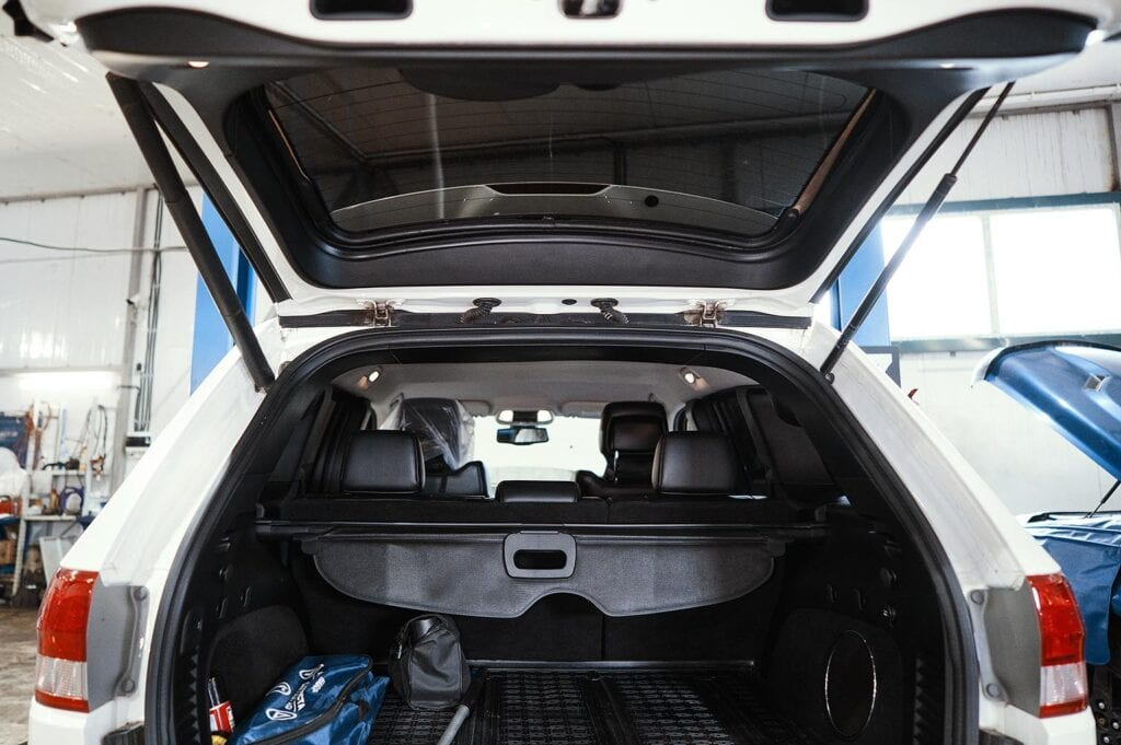 Гранд Чероки с электроприводом багажника