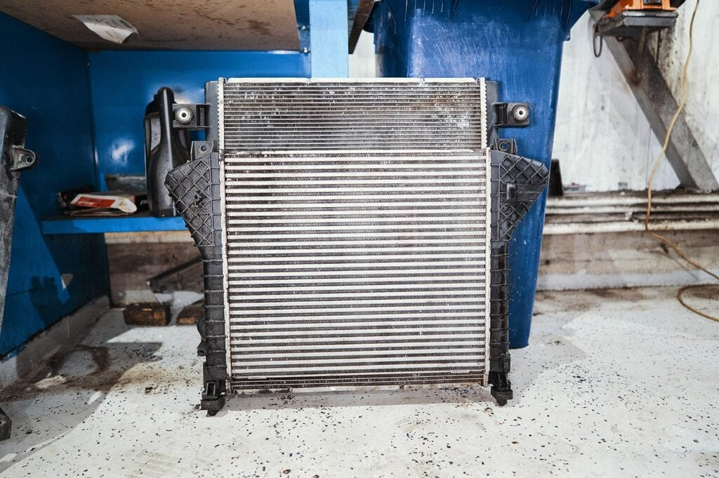 Теперь радиаторы просвечиваются и продуваются