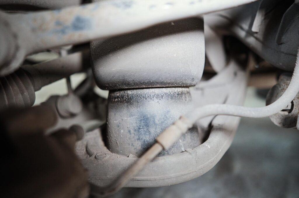 Скапливающаяся грязь может привести к повреждению баллона