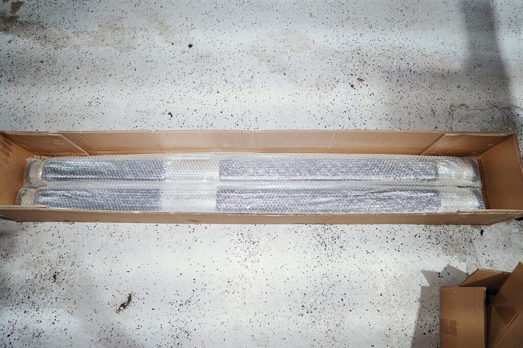 Пороги Гранд Чероки упакованы в пузырчатую плёнку