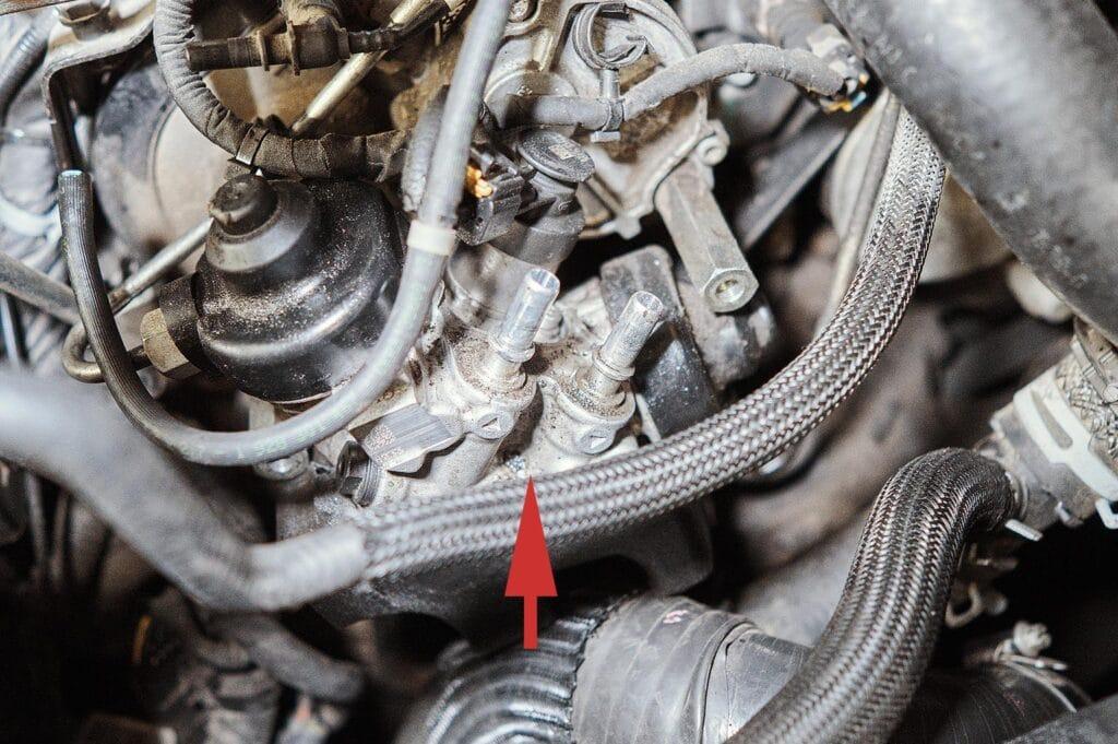Соединение топливных трубок с ТНВД