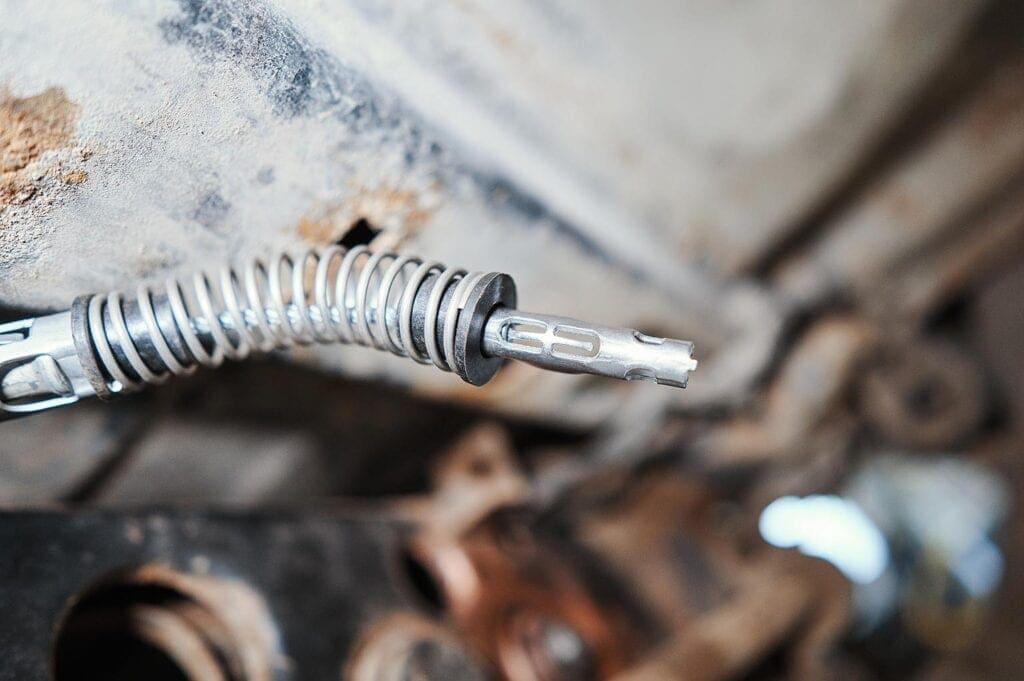 Защёлка бокового троса ручника