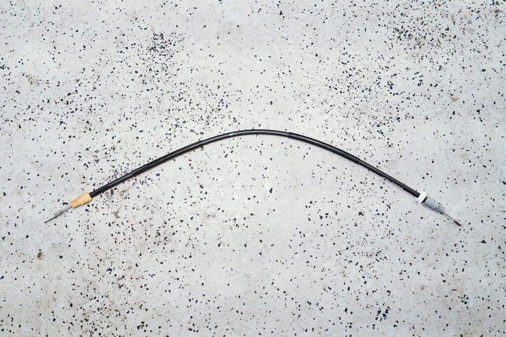 Боковой трос стояночного тормоза Гранд Чероки