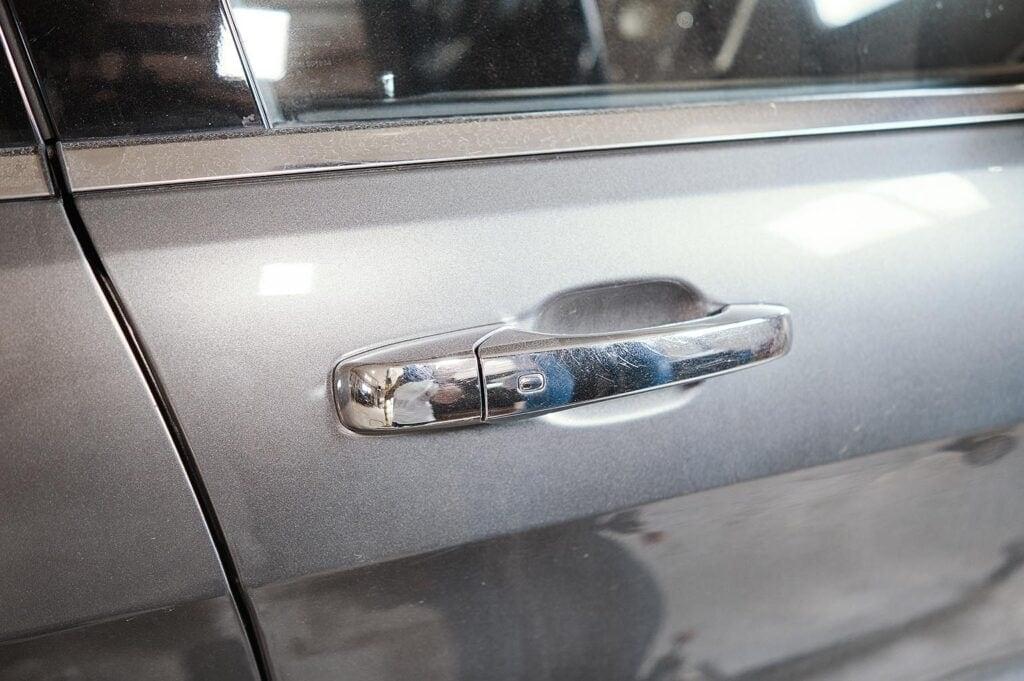 Пассажирская ручка двери Гранд Чероки