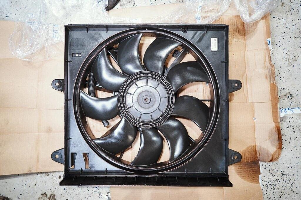 Вентилятор Гранд Чероки 3.0 CRD