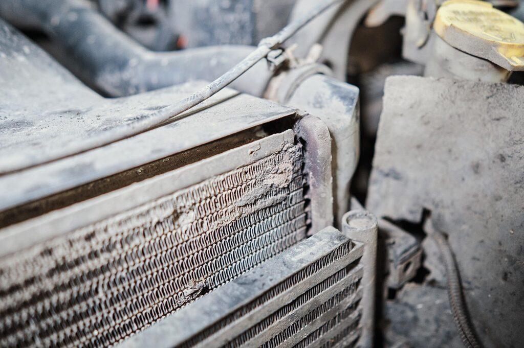 Течь радиатора двигателя по завальцовке