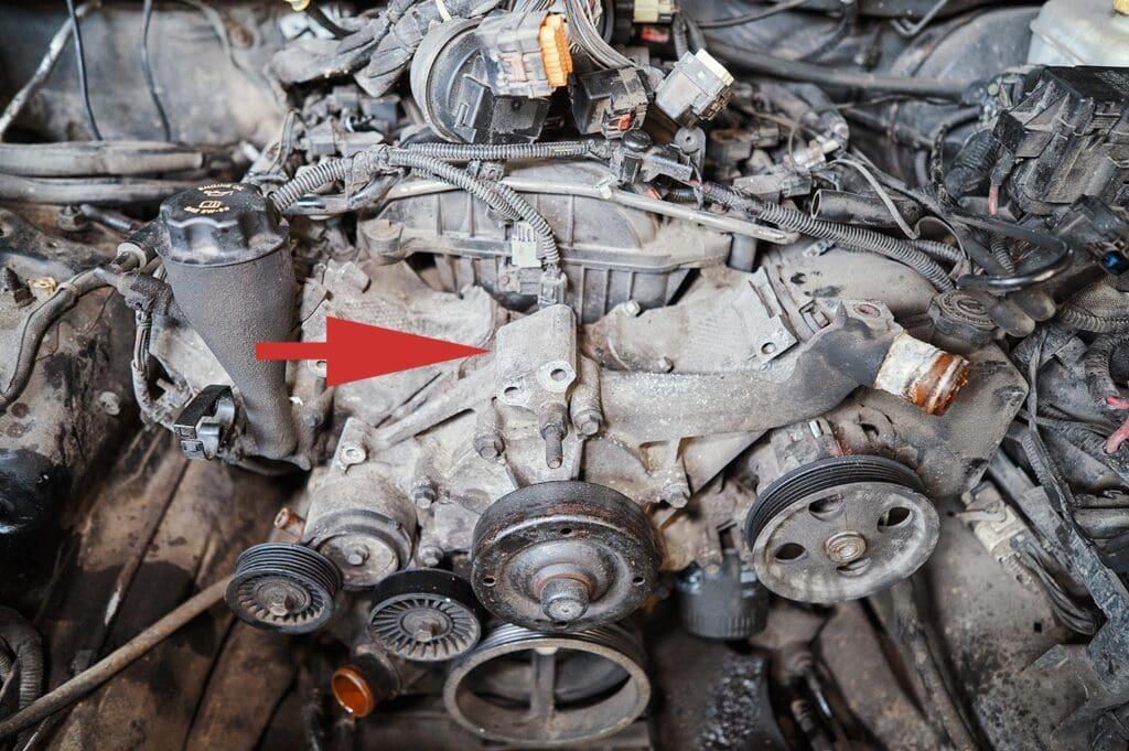 Передняя точка крепления двигателя Гранд Чероки 3.7