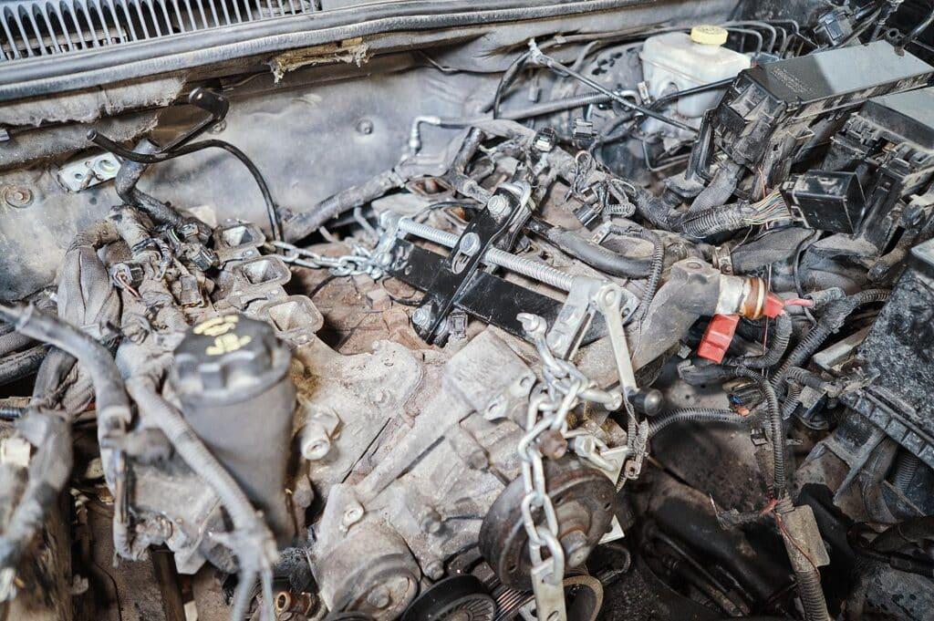 Траверса для вывешивания двигателя