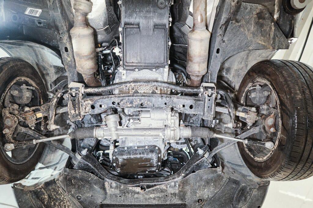 Стартер Додж Челленджер находится с левой стороны двигателя