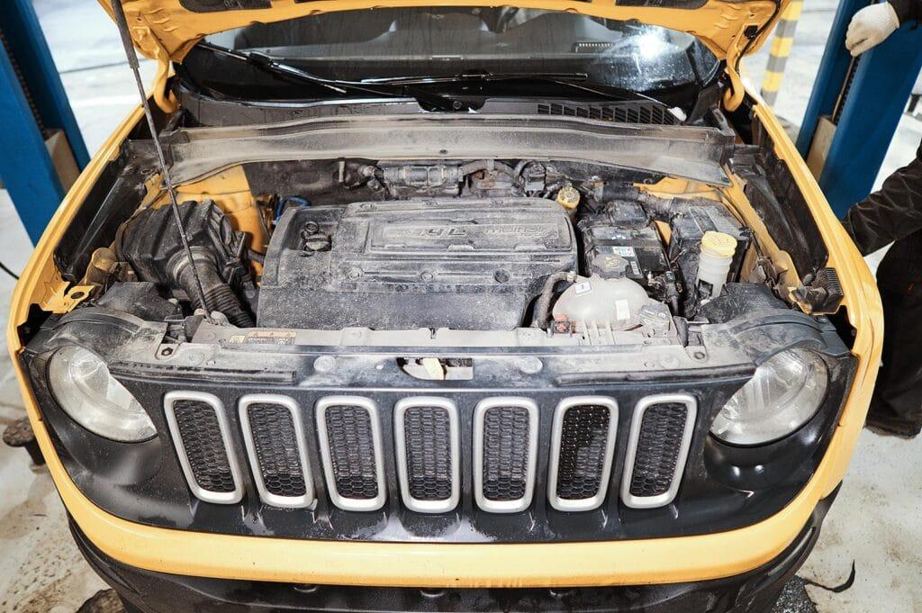 Начинаем обслуживание Jeep Renegade