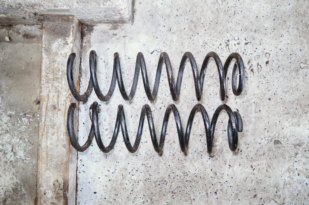 Старые передние пружины Джип Вранглер JK