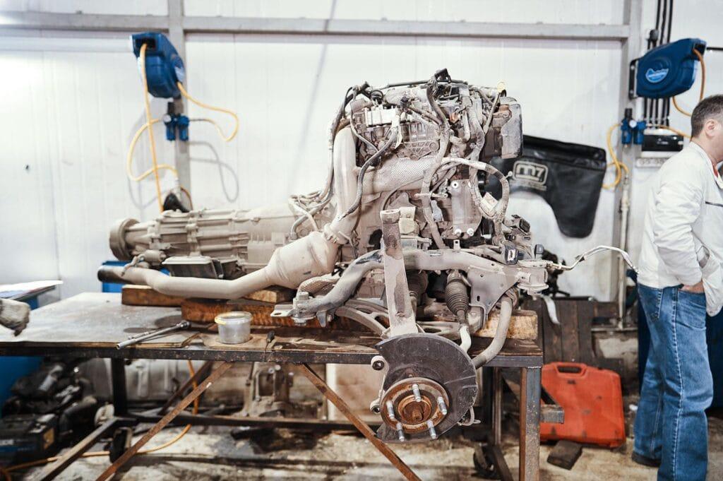 Очередной двигатель Grand Cherokee со сломанным коленвалом