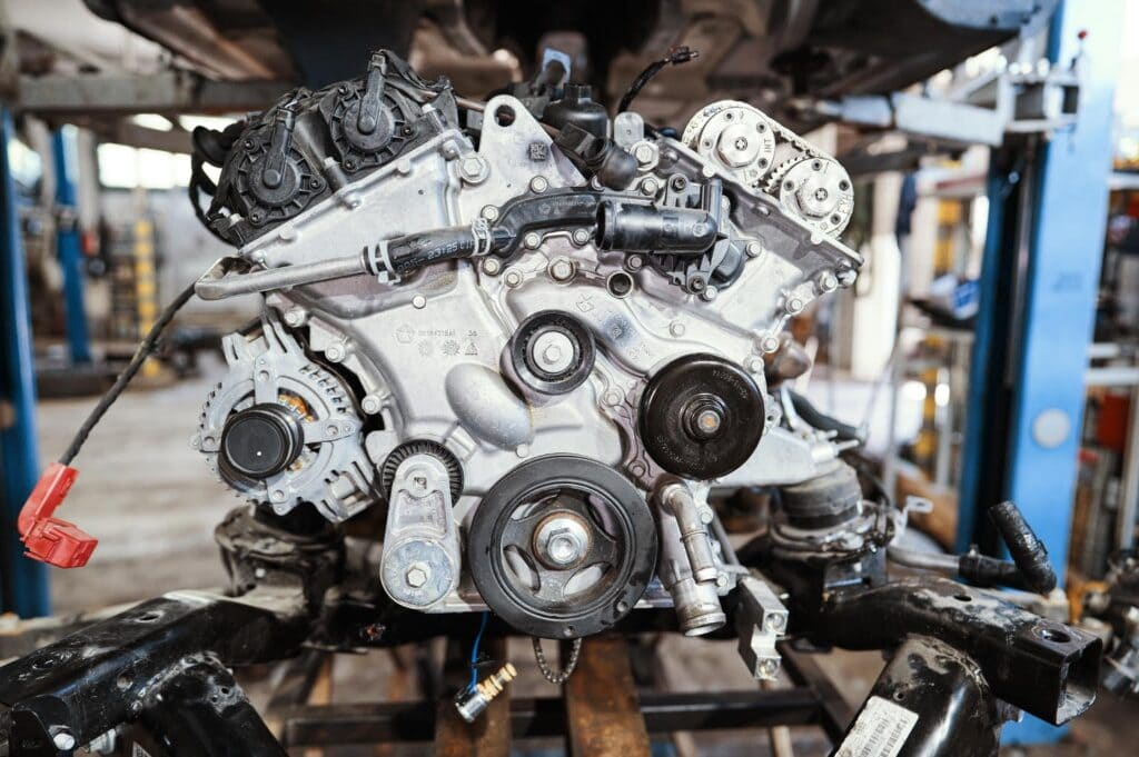 Передняя крышка двигателя Пентастар