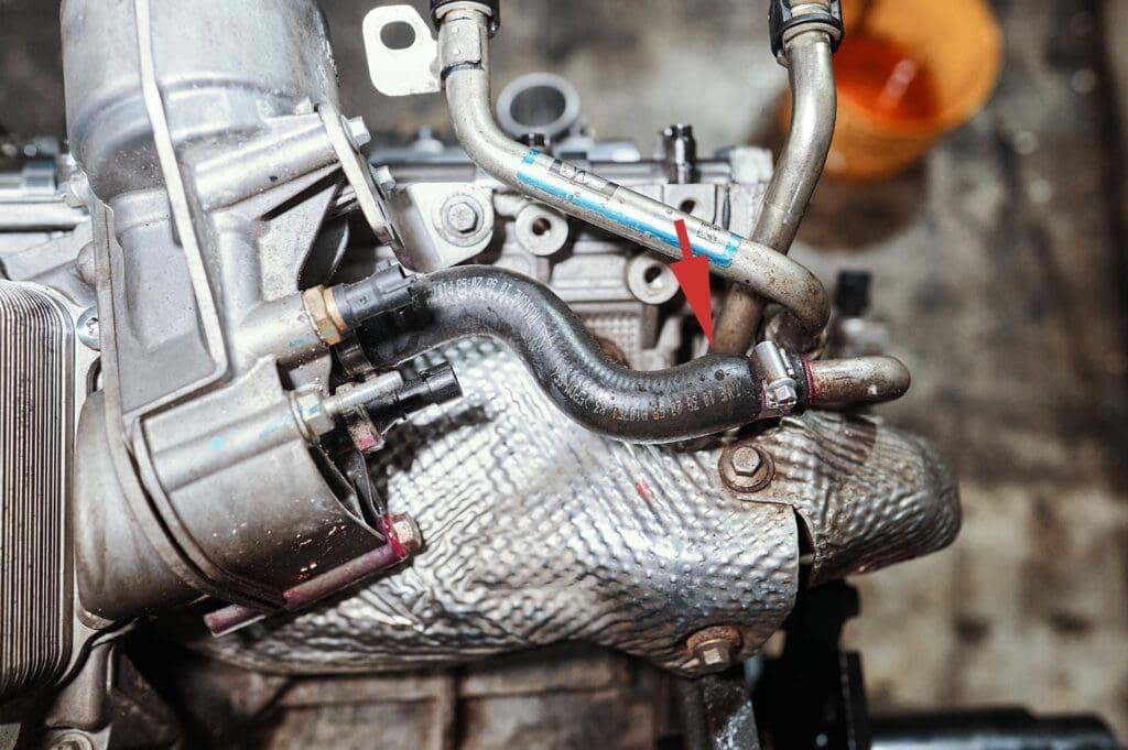 Шланг маслоохладителя с антифризом раздуло