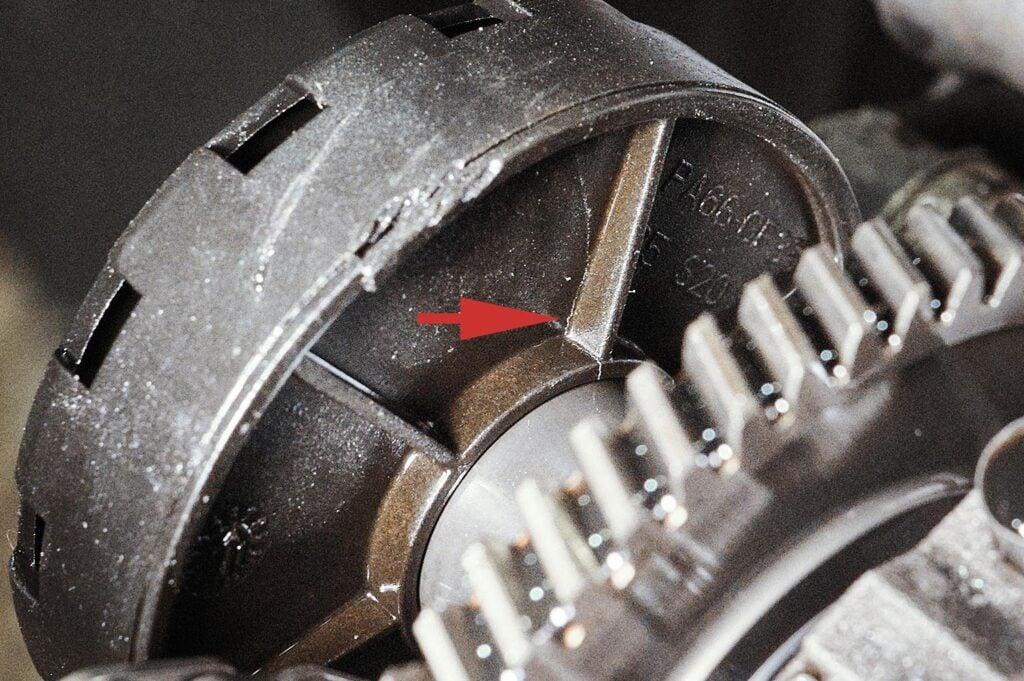Трещина корпуса маслоотделителя