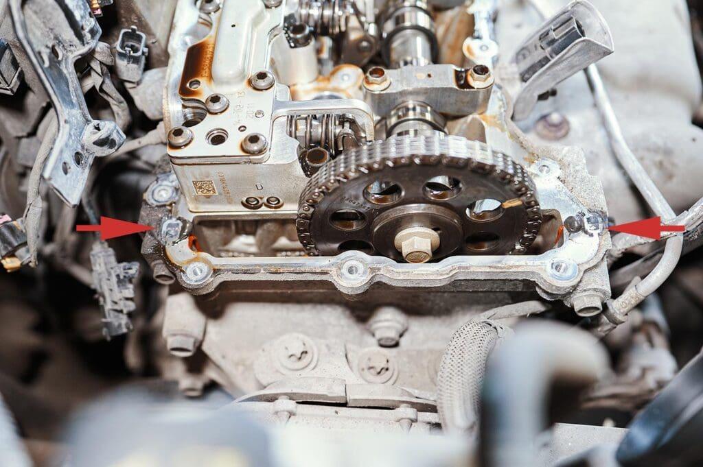 Герметик на стыке передней крышки двигателя с ГБЦ