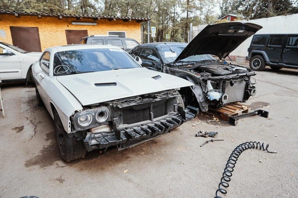 Два Dodge Challenger с аукциона из Штатов