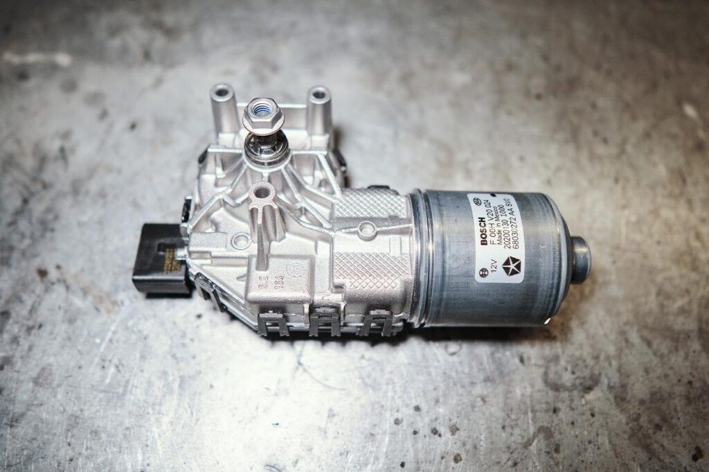 Мотор стеклоочистителя Додж Джорни